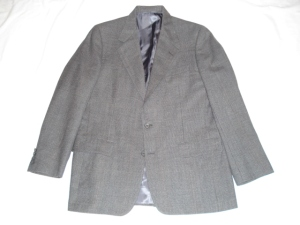 Hickey Freeman Glen Plaid Suit 40R, $39.99
