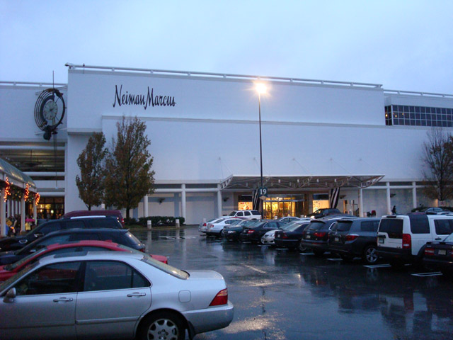 1eef5e864cd4 Store Profile  Neiman Marcus at King of Prussia